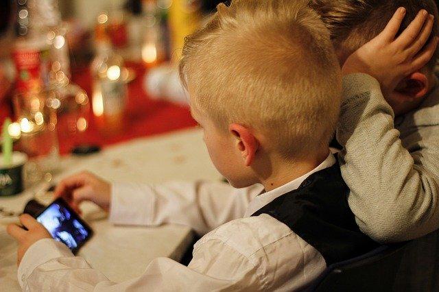 子供用の Apple IDを追加で作成する場合の手順